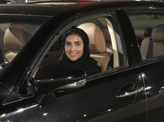 mujeres de arabia saudita manejan por primera vez 6