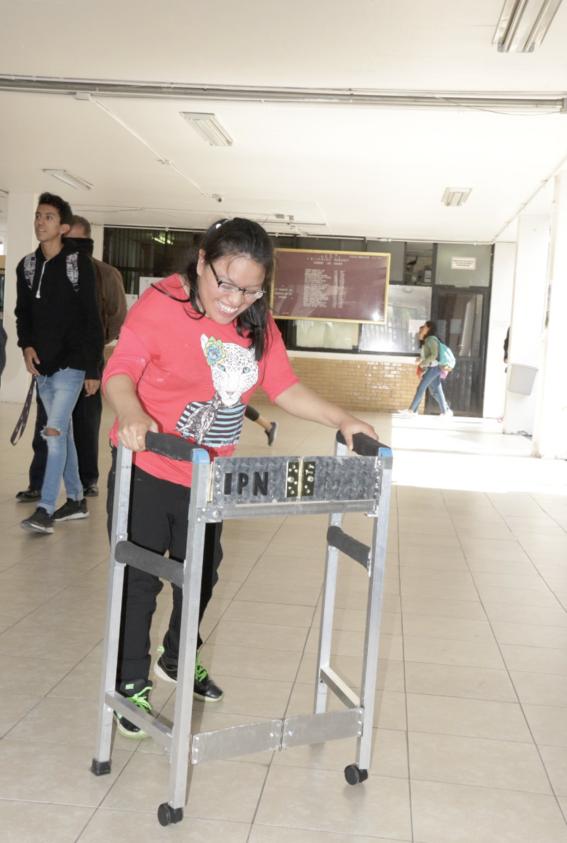 estudiantes de politecnico ganan concurso por protesis paraliticos 1