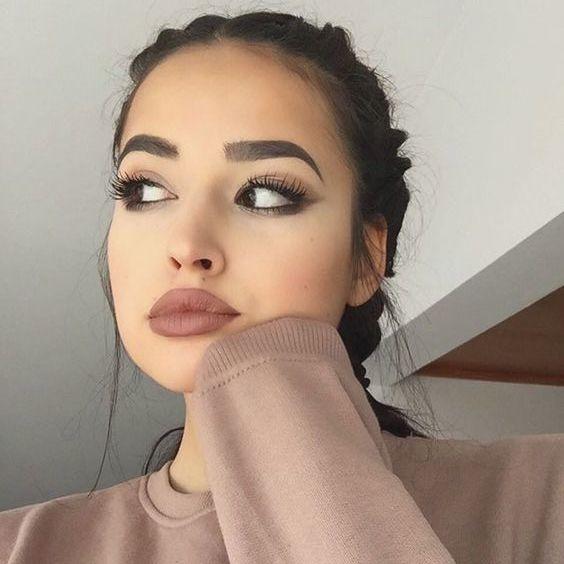 consejos para depilar tus cejas si tienes un rostro redondo 7