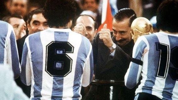 los escandalos de argentina en los mundiales 1