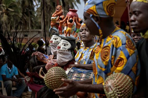 fotografias para ver de cerca un verdadero ritual vudu en africa 2