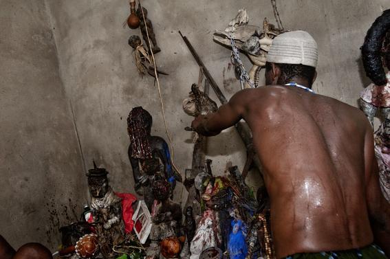 fotografias para ver de cerca un verdadero ritual vudu en africa 5
