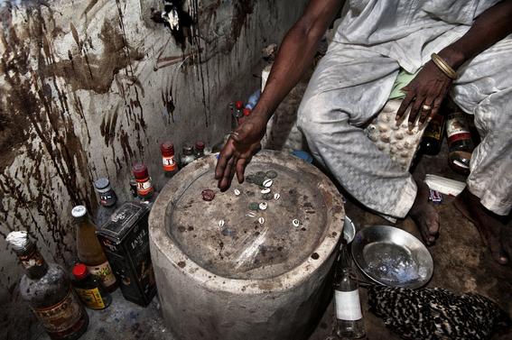 fotografias para ver de cerca un verdadero ritual vudu en africa 6