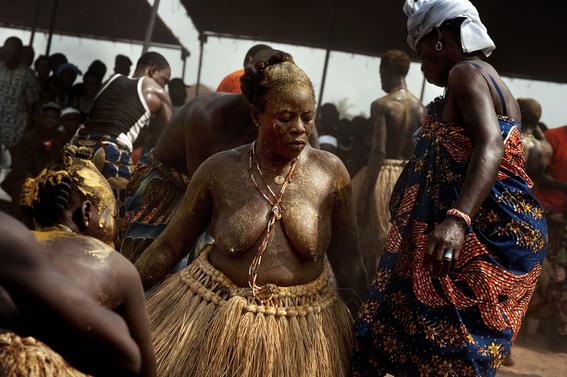 fotografias para ver de cerca un verdadero ritual vudu en africa 7