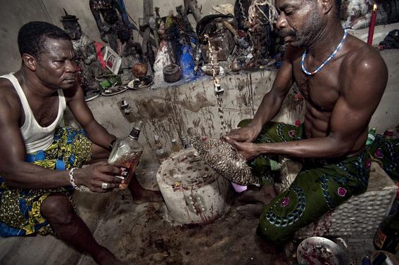 fotografias para ver de cerca un verdadero ritual vudu en africa 8