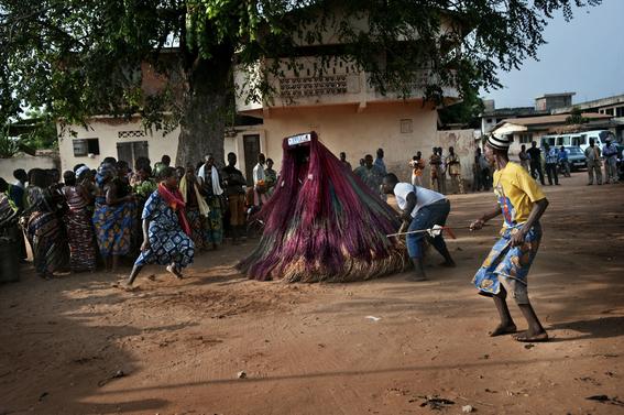fotografias para ver de cerca un verdadero ritual vudu en africa 12