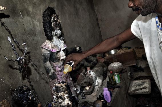 fotografias para ver de cerca un verdadero ritual vudu en africa 13