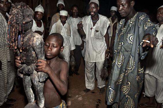fotografias para ver de cerca un verdadero ritual vudu en africa 25