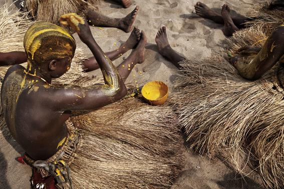 fotografias para ver de cerca un verdadero ritual vudu en africa 26