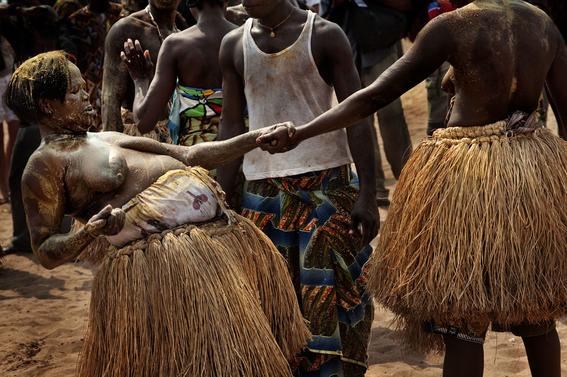 fotografias para ver de cerca un verdadero ritual vudu en africa 29