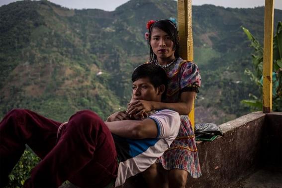 fotografias de lena mucha sobre la vida de las indigenas trans en colombia 4