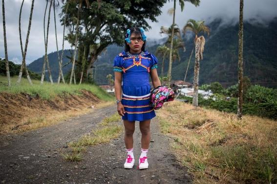 fotografias de lena mucha sobre la vida de las indigenas trans en colombia 9