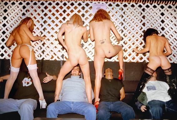 fotografias de juliana beasley sobre como sobrevivir en un club de striptease 10