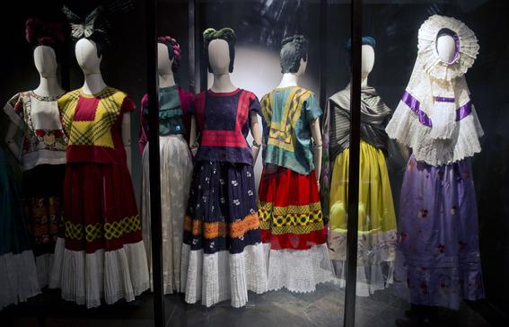 la verdad oculta detras de la moda de frida kahlo 4