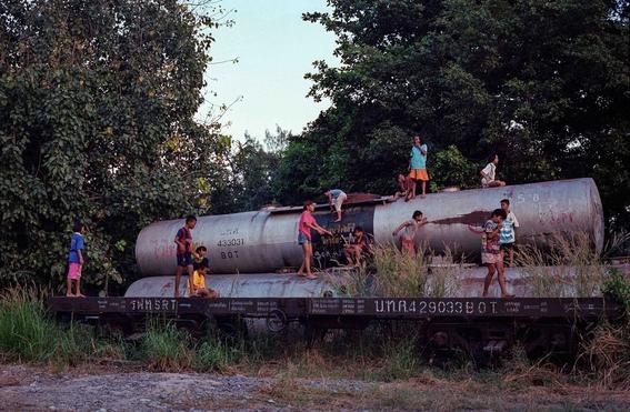 fotografias de sam gregg sobre pobreza y marginalidad en el lugar mas triste de tailandia 6