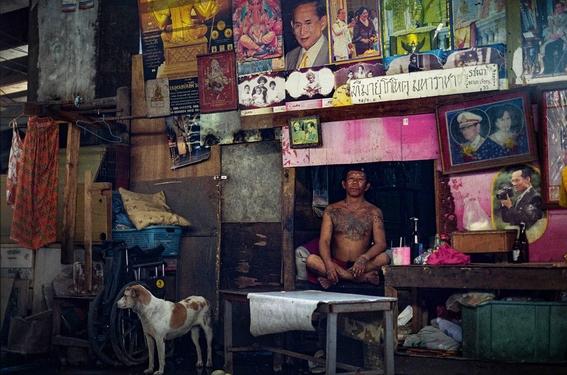 fotografias de sam gregg sobre pobreza y marginalidad en el lugar mas triste de tailandia 16