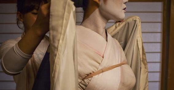 fotografias de como viven hoy las geishas 12