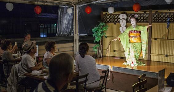 fotografias de como viven hoy las geishas 5