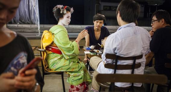 fotografias de como viven hoy las geishas 8