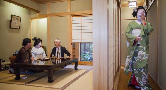 fotografias de como viven hoy las geishas 11