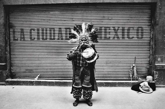 fotografos mexicanos que retrataron la cotidianidad y los conflictos sociales en mexico 8