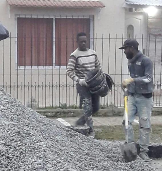 descubren a senegaleses esclavos viviendo en un container 1