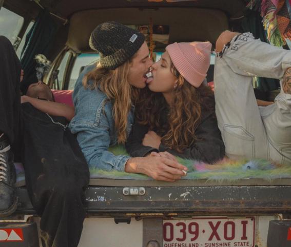 trucos que todo besador experto hace al besar 7