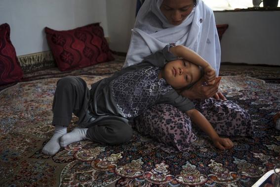 fotografias de loulou daki sobre las ninas travestidas en afganistan 2