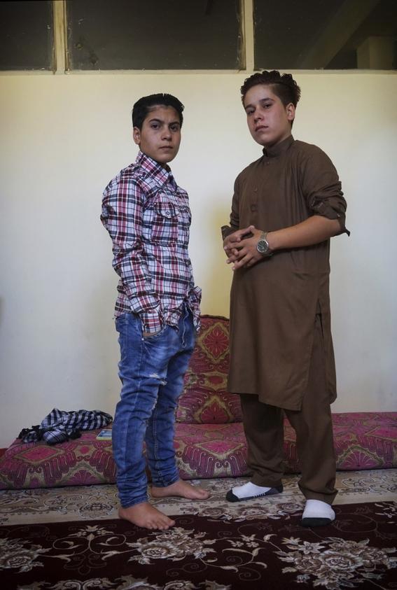 fotografias de loulou daki sobre las ninas travestidas en afganistan 3