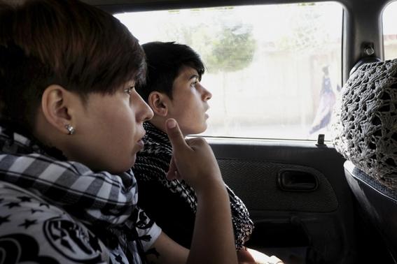 fotografias de loulou daki sobre las ninas travestidas en afganistan 7