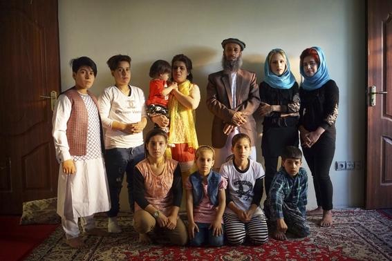 fotografias de loulou daki sobre las ninas travestidas en afganistan 12