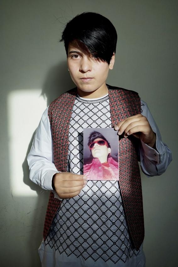 fotografias de loulou daki sobre las ninas travestidas en afganistan 14