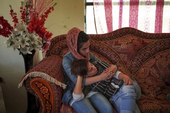 fotografias de loulou daki sobre las ninas travestidas en afganistan 19
