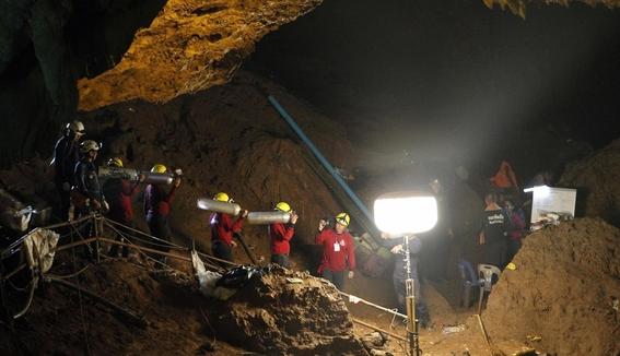 ninos tailandia cuevas 1