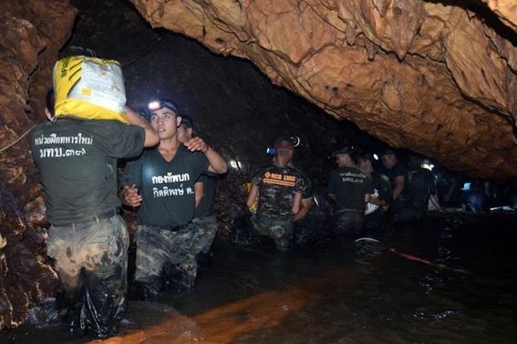fotografias del rescate de los ninos en tailandia 6