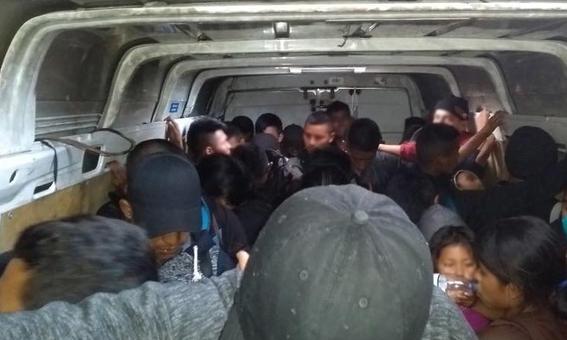 rescatan a migrantes centroamericanos en tabasco mexico 1