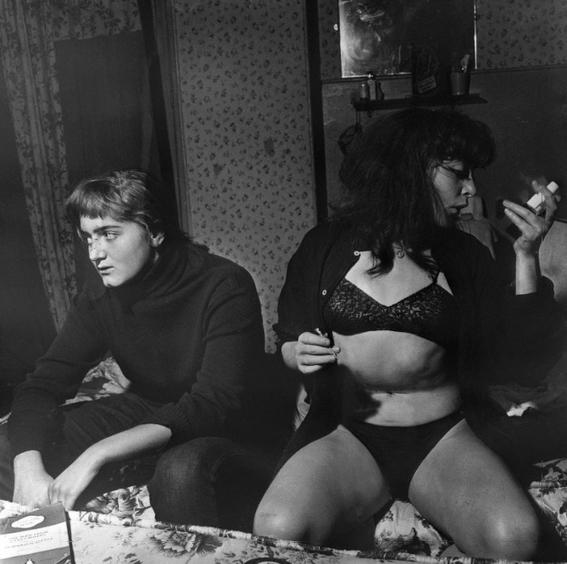 fotografias de ed van der elsken sobre como se vive la noche en paris 8