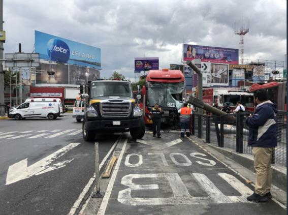 choque metrobus deja 22 heridos en la cdmx 2