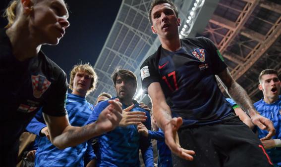 el fotografo aplastado en el mundial durante el festejo de croacia 7