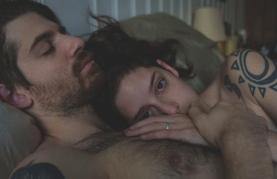 cosas que solo hace un hombre sin experiencia en el sexo 13