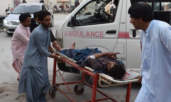 ataque terrorista en pakistan deja 128 muertos 1