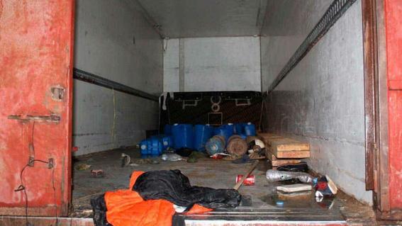 inmigrantes encontrados en camion libia 1