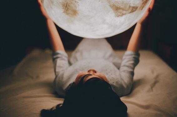 la luna podria afectar las emociones 5
