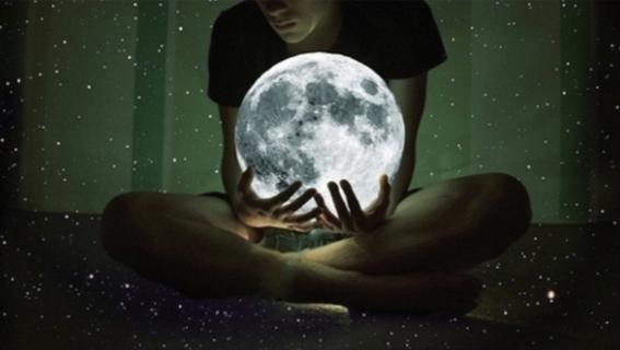la luna podria afectar las emociones 3