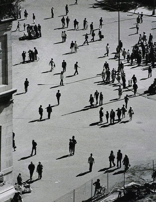 fotografias de andre kertesz sobre momentos de las ciudades 11