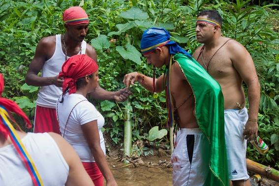 fotografias de un ritual de santeria en venezuela 6