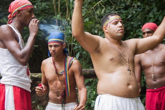 fotografias de un ritual de santeria en venezuela 13