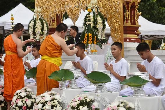 ninos rescatados de cueva en tailandia seran monjes budistas 1