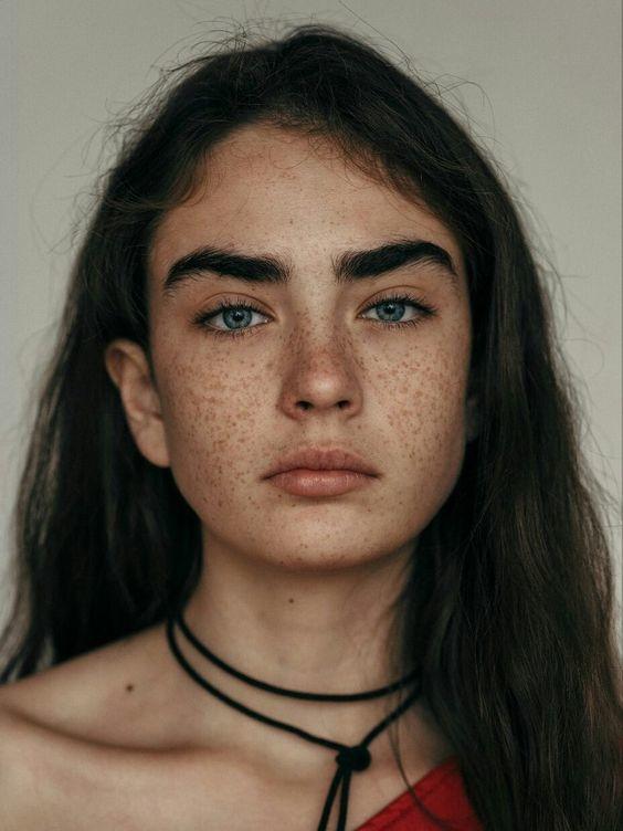 como alargar las pestanas con estos trucos de maquillaje 1