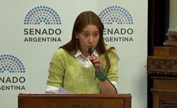 una chica de 16 anos sacude el debate por el aborto en argentina 1